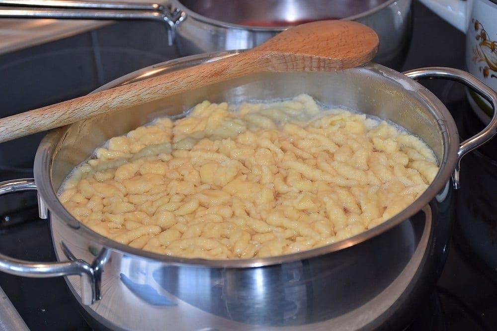 How to Make Spätlze Noodles- Easy German Spaetzle Recipe