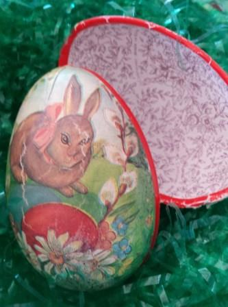 How to make a giant paper mache easter egg