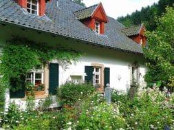 garden-302259_1280