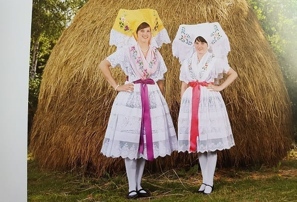 pictures of german clothes