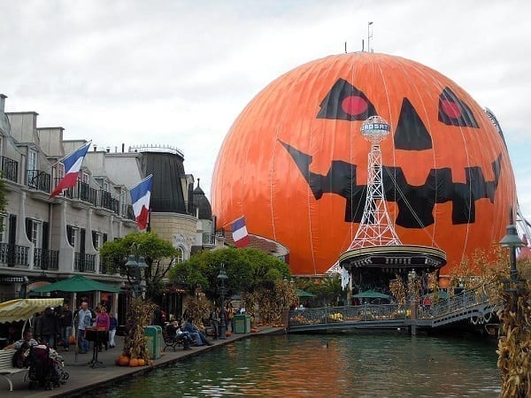 do they celebrate Halloween in Germany