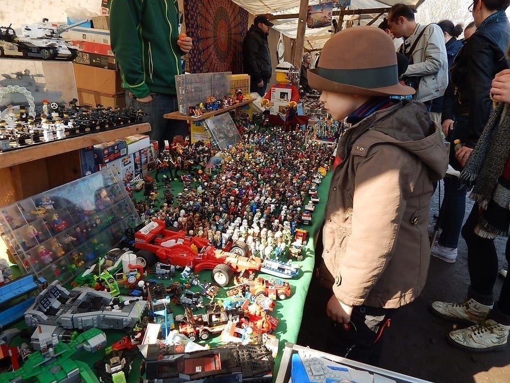 Berlin Flohmarkt am mauerpark