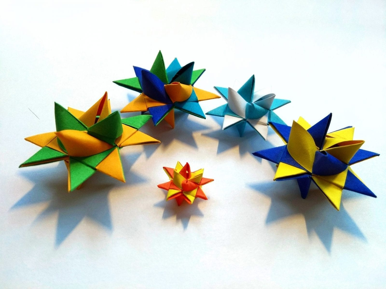 What is a Froebel Star – German Paper Folded Christmas Stars